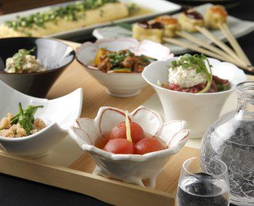 おばん菜盛り合わせ5種、3種盛りは、12種類からお好みのものをお選びいただけます。少しずついろいろな味をお楽しみください。